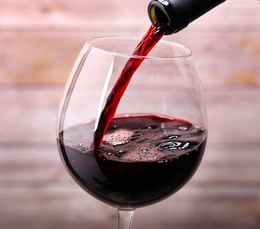L'astuce du jour : le vin rouge pour garder une bouche en bonne santé !