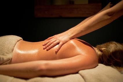 L'astuce du jour : fabriquer sa propre huile de massage !