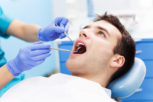 Carie dentaire : bientôt un traitement indolore