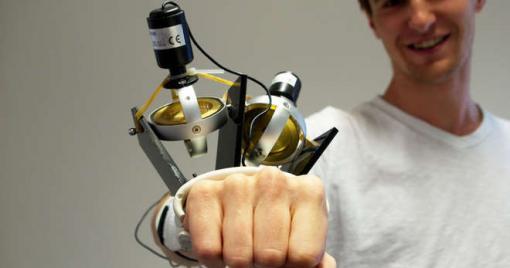 Un gant anti tremblement pour les personnes souffrant de Parkinson