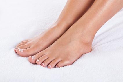 BEAUTE ET SOINS NATURELS - 6 méthodes simples et naturelles pour soigner les pieds secs