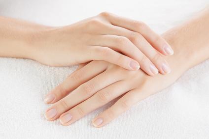 6 remèdes simples et naturels pour soigner les mains gercées