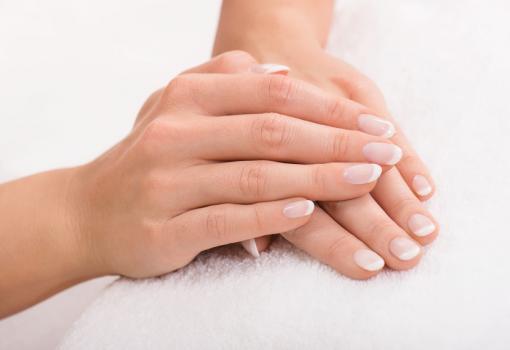 8 remèdes naturels pour soigner les ongles cassants