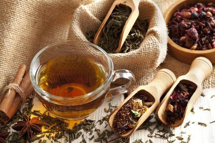 Thé vert, thé noir, thé blanc, thé rouge : quels sont leurs bienfaits ?