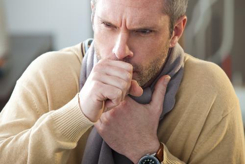 5 tisanes et autres recettes naturelles contre la toux