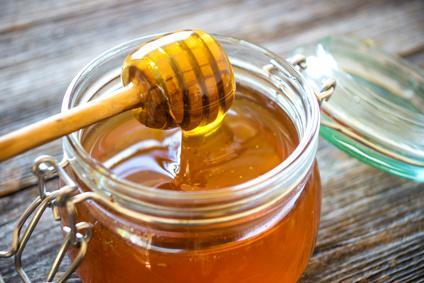État grippal, angine, rhume, toux : le miel plus efficace que les médicaments