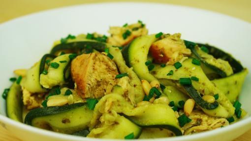 RECETTE SANTÉ : Tagliatelles de courgette au poulet
