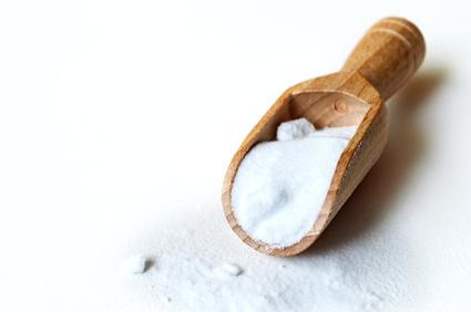 Maison saine 4 produits naturels pour liminer les - Desherbant chlorate de soude ...